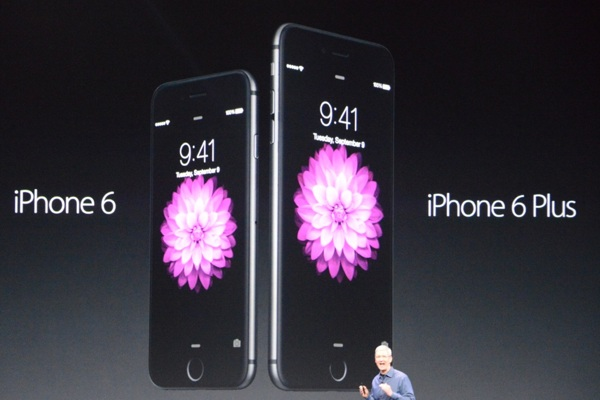 iPhone-6-and-iPhone-6-Plus-announcement-with-Tim-Cook